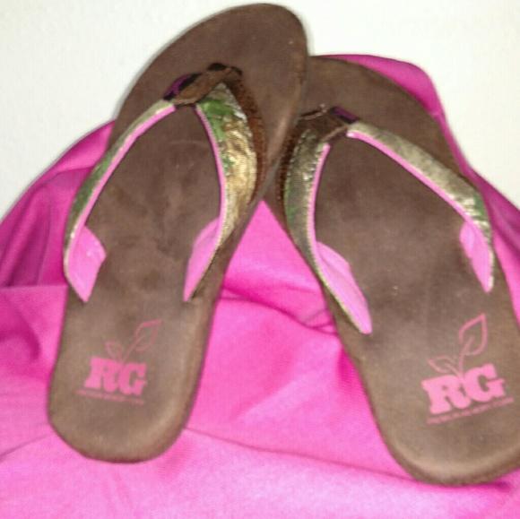 fc8d9a1f3b7 NIB   Realtree Girl memory foam flip flops
